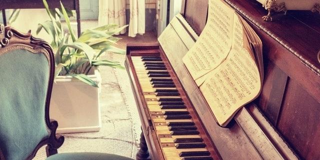 Vi er specialister inden for transport af klaver og piano